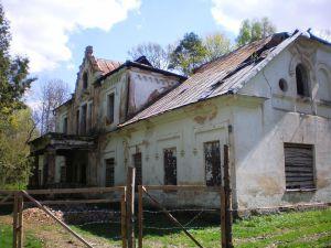 Имение Колноберже, в котором Столыпин провёл детство (фотография 2011 года)