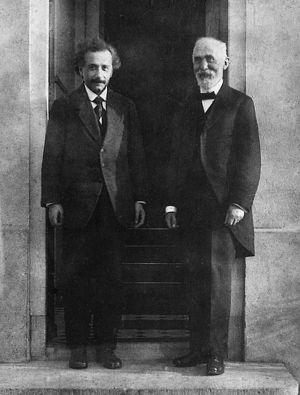 Эйнштейн и Лоренц (1921)