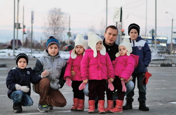 Антон Кудрявцев и шесть его детей