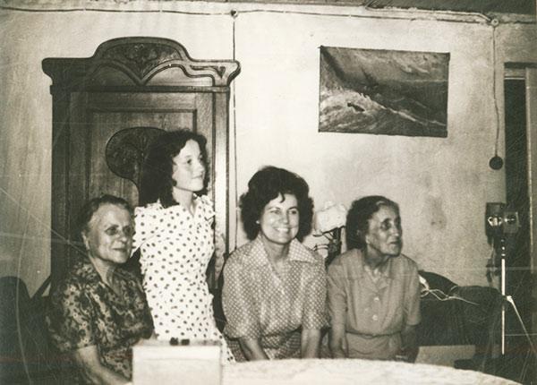 Н.Д. Спирина в гостях у С.В. Стульгинскиса и И. Залецкене. Вильнюс, 1970-е.