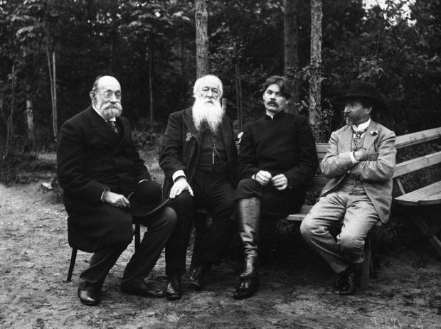 Николай Пирогов, Владимир Стасов, Максим Горький и Илья Репин, 1905 год