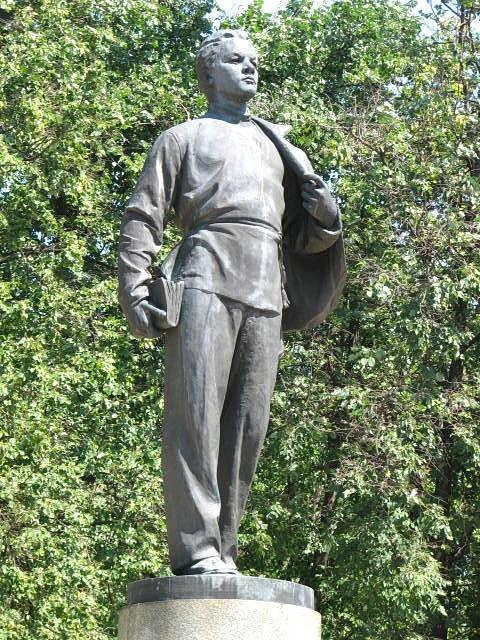 Памятник юному Владимиру Ульянову, г. Казань, Татарстан, Россия
