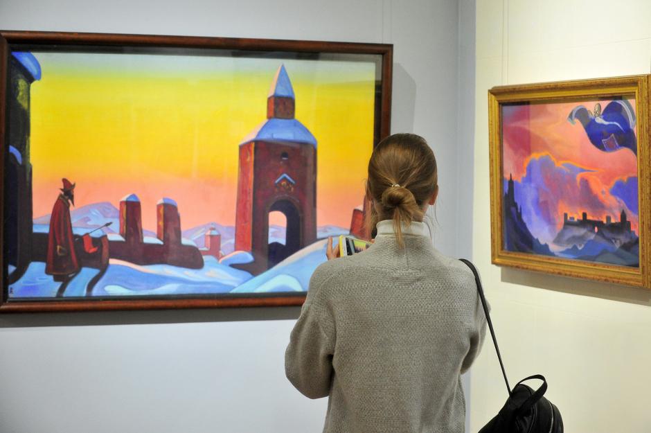 Экспозиция вызывает интерес у публики, в том числе и у посетителей юного возраста Фото: Агентство городских новостей «Москва»