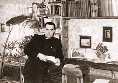 П.Ф. Беликов в своём кабинете. Куусалу, Эстония. 1960