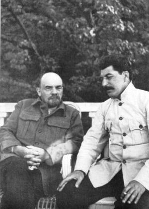 В. И. Ленин и И. В. Сталин в Горках, 1922 год