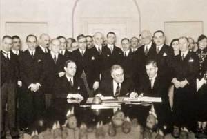 Подписание Пакта Рериха в Белом Доме, Вашингтон, США. 15.04.1935