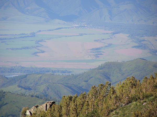 Вид на Уймонскую долину со Студёного хребта