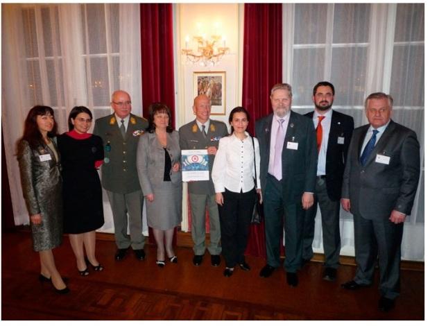 Участники конференции 6 апреля 2010 г. в Международном Венском Центре «ООН-Сити», организованной Австрийским Национальным Комитетом «Голубого щита»[5]