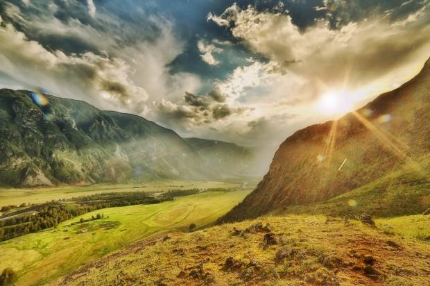 © Александр Антощенко Дождливый закат в Урочище Аккурум - вид на Чулышманскую долину
