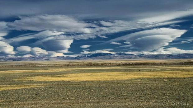 © Светлана Шупенко Лентикулярные облака над степью