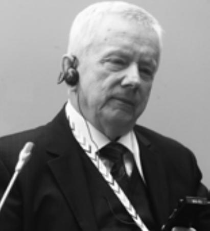 Агешин Юрий Андреевич – исполнительный директор Исследовательского центра частного права имени С.С. Алексеева при Президенте РФ, член Президиума Всемирного Форума Духовной Культуры.