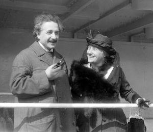 Эйнштейн с женой Эльзой