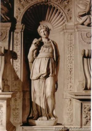 Лия. 1542 итал. Lia мрамор. Высота 1,97 м Сан-Пьетро-ин-Винколи, Рим, Италия
