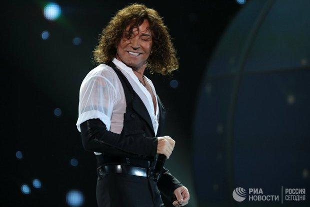 Певец Валерий Леонтьев выступает на концерте в БКЗ Октябрьский в Санкт-Петербурге