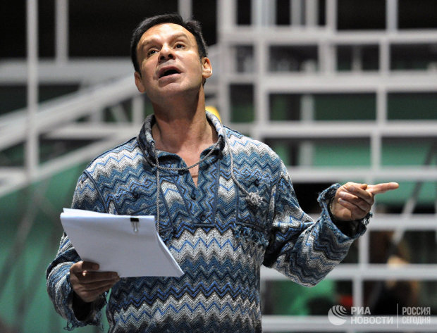 Актер Ефим Шифрин на репетиции мюзикла Михаила Швыдкого Времена не выбирают