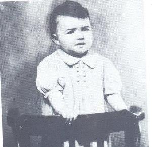 Людмиле Живковой один год (1943 г.)