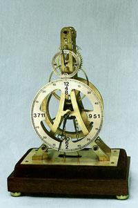 Часы оригинальной конструкции, спроектированные Франклином