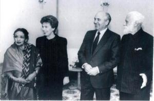Слева направо: Д.Рани-Рерих, Р.М.Горбачёва, М.С.Горбачёв, С.Н.Рерих