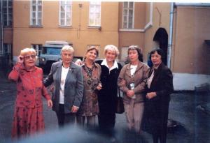 С единомышленниками и друзьями после конференции в Музее Востока. Слева направо: М.Н.Егорова, Е.М.Величко, О.В.Румянцева, Н.А.Тоотс, Е.М.Егорова и ещё одна из участниц