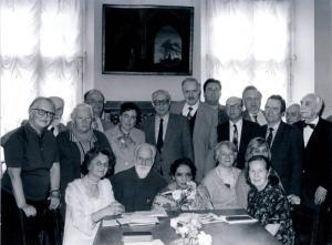 Государственный музей Востока. Комиссия по наследию Н.К.Рериха. В центре сидят С.Н.Рерих и Девика Рани-Рерих