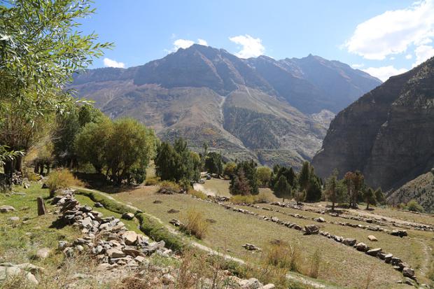 Прекрасный вид на Гималаи открывается от порога летней студии Николая Рериха в Кейлонге  © Евгения Кармалито/ТАСС