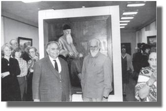 С.Н.Рерих с послом Республики Индия в СССР профессором Н.Хасаном на выставке живописи и графики Николая и Святослава Рерихов. ГМВ. 1984г.