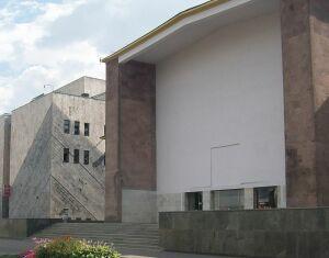 Павильон № 13 Здоровье. Построен в 1939—1955 годы, реконструирован в 1962 году