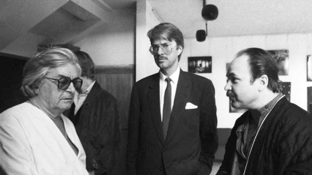 Юрий Любимов (слева) и Николай Губенко (справа) в фойе театра, 1988 год Фото: ТАСС/Виктор Великжанин